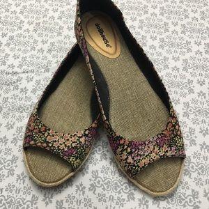 Dollhouse Peep Toe Slides Flats - Size 9.5